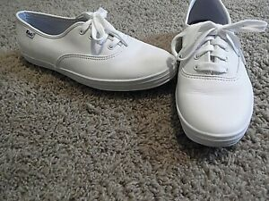 Women's Keds White Leather Shoes Size 6-1/2