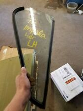 75 76 BONNEVILLE L. REAR DOOR VENT GLASS CATALINA SDN 22108