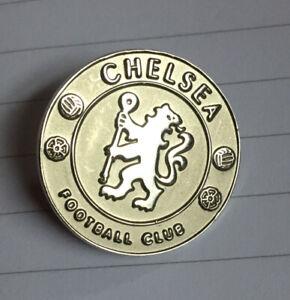 CHELSEA FOOTBALL PIN BADGE