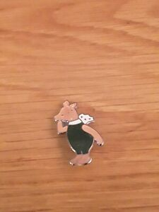 Vintage winnie The Pooh Disney by Rainbow Designs Enamel Pin Badge Brooch piglet