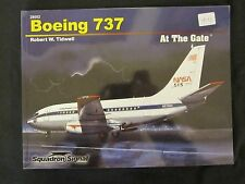 Book: Boeing 737 At the Gate - 220 photographs, plus color profiles