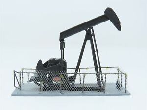 N Scale Walthers Cornerstone Series Built-Ups 933-2614 Operating Oil Pump