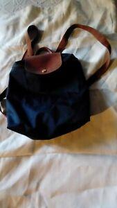 Authentique Sac à dos Longchamp  30 x 32 Usure dans les coins