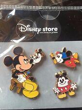 Disney Japan JDS MICKEY Hop'n Pop'n Shops Toy Maker  3 Pin Set 2004 MOC RARE HTF