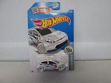 Hot Wheels HW Snowstormers 2012 Ford Fiesta (1)