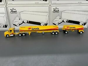Tonkin 1:53 Freightliner Loves Travel Stops Tanker with Pup