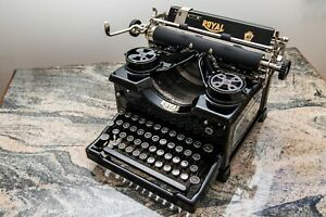 1932 Royal 10 Typewriter