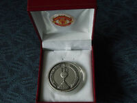 MANCHESTER UNITED - 1967 FOOTBALL LEAGUE CHAMPIONS MEDAL - C/W RED BOX AND CREST