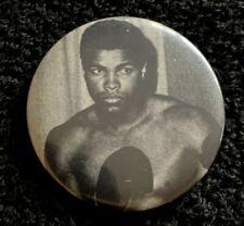 Vintage 1970's Muhammad Ali World Heavy Weight Champion pinback button