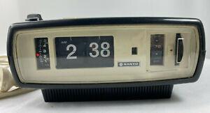 Vintage SANYO 6CA-T45AS Flip Clock Radio Black 1970s As Is