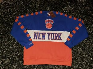 New York Knicks Crewneck Mitchell & Ness Medium New With Tags