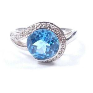 Topaz Diamond Ring 9 carat white gold