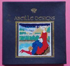 § ancien kit broderie ABEILLE DESIGNS APRIL AVRIL - Brenda M BROWN 1992