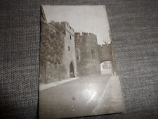 London    Tower of London   Outer Ward  Gale & Polden  POSTCARD VINTAGE GOOD