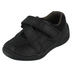 Niños Clarks Primeros Zapatos Cierre Adhesivo Tira Cierre Ketley FST