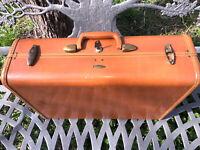 """Vtg SAMSONITE Shwayder Bros 1950's Brown 21"""" Suitcase Luggage plaid int & key"""