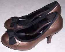 "WILD DIVA Gold Bronze w/ Black Trim & Bow Pumps 3.5""  Heels Womens Shoes Size 6"