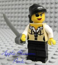 NEW Lego FEMALE PIRATE MINIFIG w/Red Lips Girl Head Eye Patch Rag Hat Tan Torso