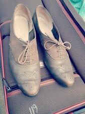 Ferragamo Ladies Suede Side Wingtip Brogue Shoes Size 7.5B
