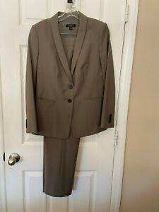 Womans Ann Taylor Mixed Size Olive Pant Suit