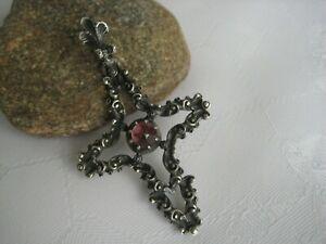 Anhänger Kreuz mit Granat 835 Silber von Blachian, Tracht Kreuzanhänger, alt