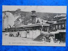 SAINT-VALERY-EN-CAUX  :  Le Casino vu de la Plage.