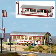 9726 Busch HO Kit of an American diner built from a passenger train car - NEW