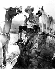 "ROY ROGERS w/ HIS HORSE ""TRIGGER"" & DOG ""BULLET"" - 8X10 PUBLICITY PHOTO (AZ322)"