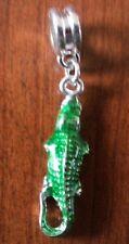 pendentif argenté crocodile