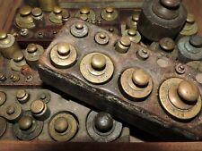 Lot de 78 poids en laiton ancien poinçon + lettre poids balance trébuchet mesure