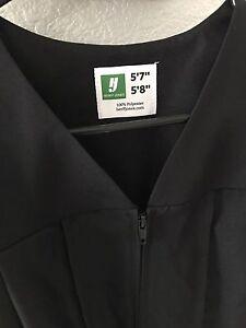 """Black Graduation Cap & Gown 5'7"""" / 5'8"""" Unisex"""