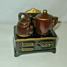 Fairwax Old Stove Salt & Pepper Shaker Set