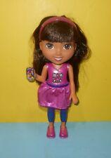 Fisher-Price Nickelodeon Dora & Friends Talking Dora Smartphone Light-up Doll