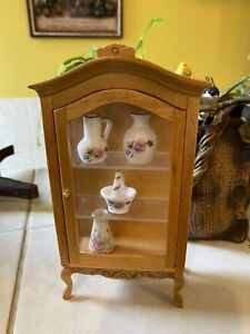 Dolls house furniture Pine Ornate Display Cabinet With Vase Accessories Lot 1.12