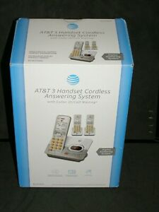 AT&T 3 HANDSET CORDLESS ANSWERING SYSTEM EL52303 DIGITAL ANSWERING SYSTEM
