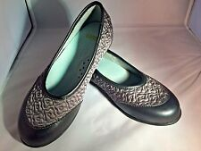 Girls Shoes/ Pewter Fabric and Leather Slip-Ons Flats  Little Girls Size 12