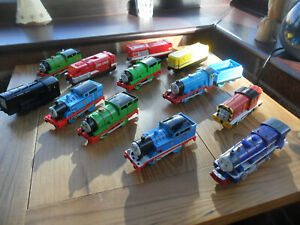 THOMAS TANK ENGINE & FRIENDS TOMY TRACKMASTER - BUNDLE OF NON WORKING TRAINS