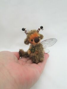 *LITTLE AUTUMN  BEE *A CUTE 4 INCH JOINTED MOHAIR  BEE  BEAR*