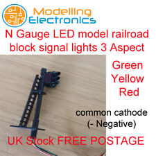 More details for 2 x n gauge led model railroad block signal lights green yellow red