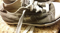 CONVERSE ALL STAR KIDS SIZE 2 LOW TOP CHUCK TAYLORS GRAY WHITE STARS  YOUTH