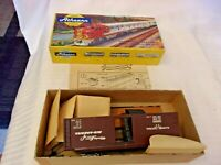 HO Scale Athearn Illinois Central Box Car #30002, Brown, Craftsman Kit Yelow Box
