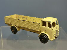 "DINKY TOYS MODEL No.25R FORWARD CONTROL LORRY    ""CREAM VERSION """