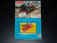 RAILWAY ACCESSORIES - TELEPHONE KIOSK & CALLER - 5006 - MERIT - NEUF BLISTER -HO