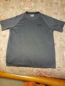 Men's size L Under Armour Heat Gear short sleeve t-shirt loose