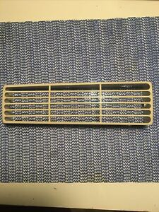 Frigidaire  FAA087P7A6 Louver air vent grille