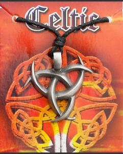 Pendant + Cord/Rope Tribal Ethnic Celt Druidism Tin Protection B8 7974