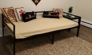 Twin Size Daybed Frame