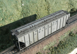 CUSTOM WEATHERED EXACTRAIL PS-2CD 4427 SCOULAR SBGX COVERED HOPPER