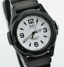 94794ef48932 Vintage Unisex Q Q Black and White Analog Quartz Watch VR44-002 2035  C227 67.1