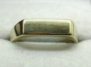 Ladies / Gents 9 carat Gold Plain Signet Ring Size Q